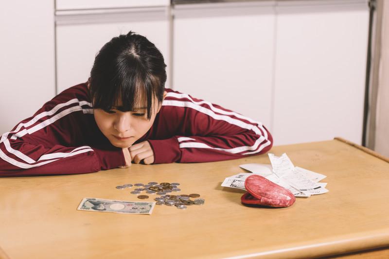 岐阜でイラストレーターを目指して頑張る女の子の写真
